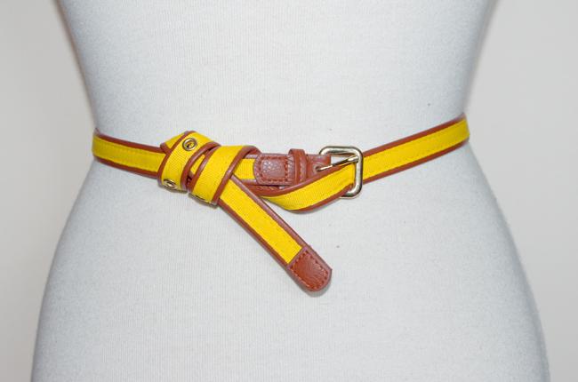 El sofa amarillo formas de atar un cinturon 2