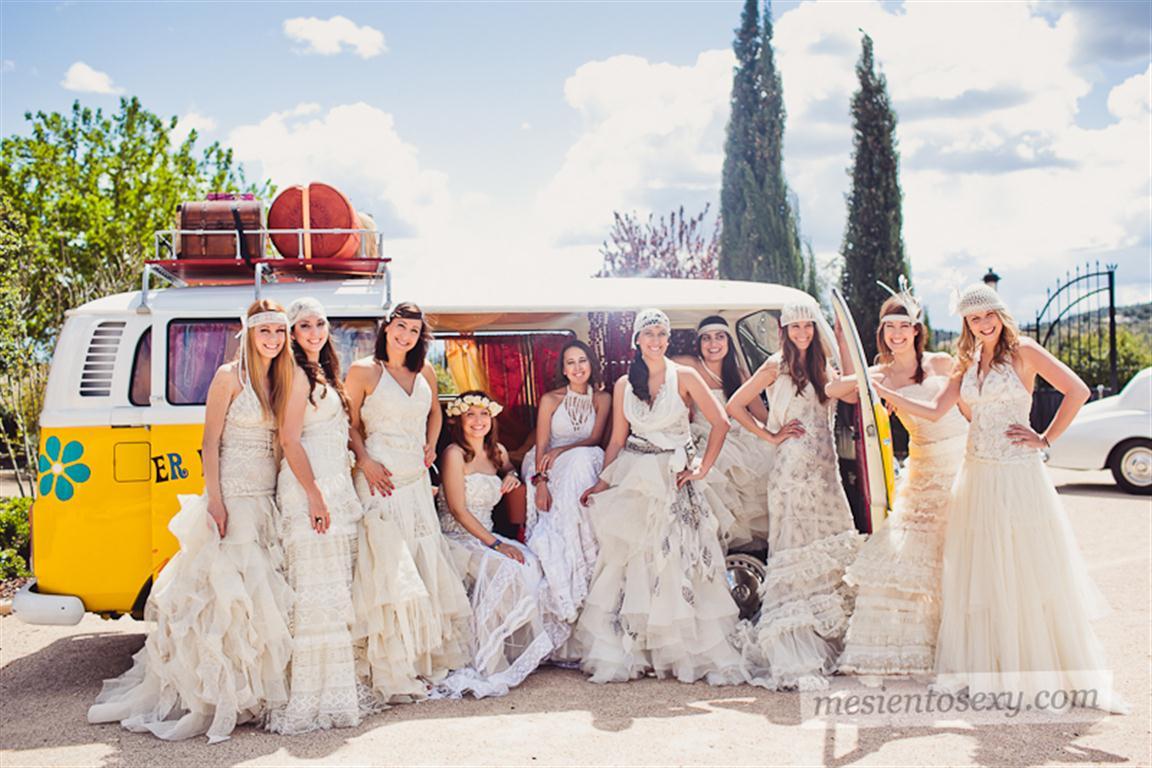 el sofa amarillo caravana antigua para boda (10)