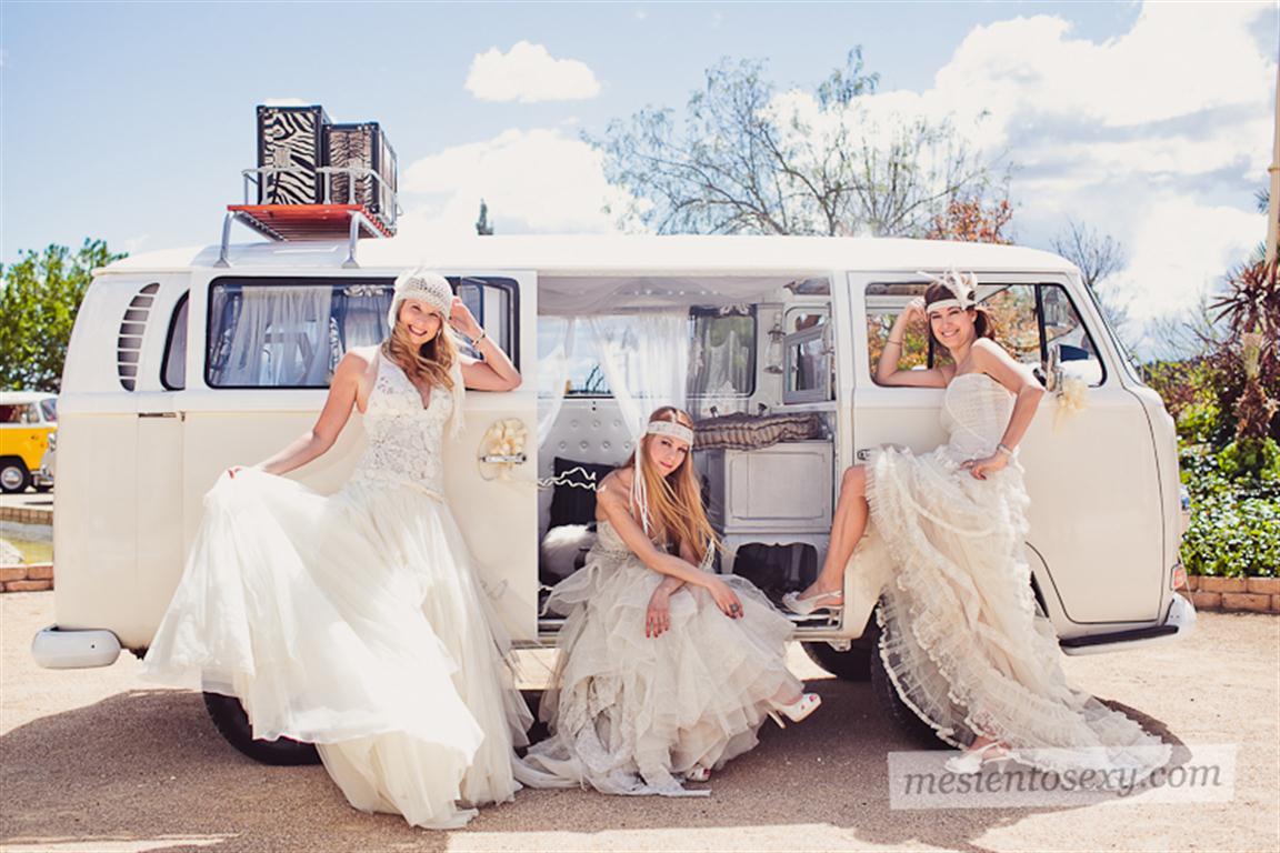 el sofa amarillo caravana antigua para boda (11)