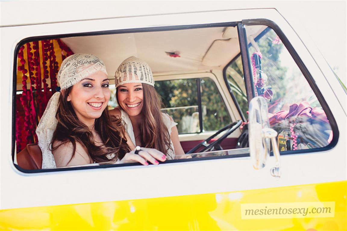 el sofa amarillo caravana antigua para boda (5)