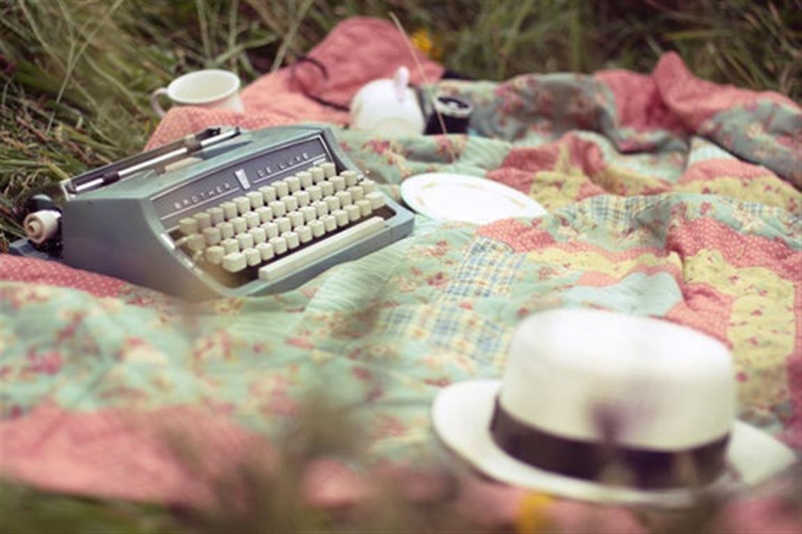 el sofa amarillo maquinas de escribir (1)