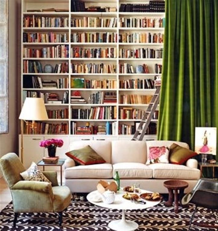 el sofá amarillo estanterías grandes (10)