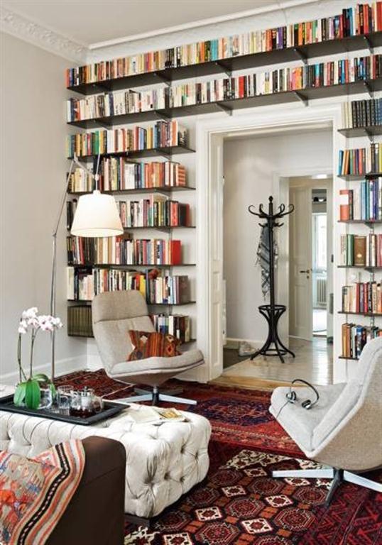 el sofá amarillo estanterías grandes (4)