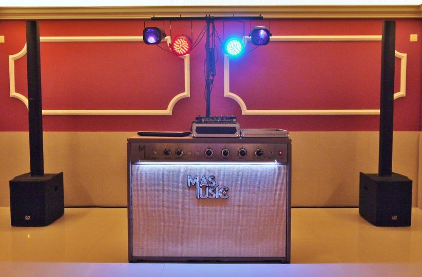 el sofa amarillo - mas music - dj coruña (3)