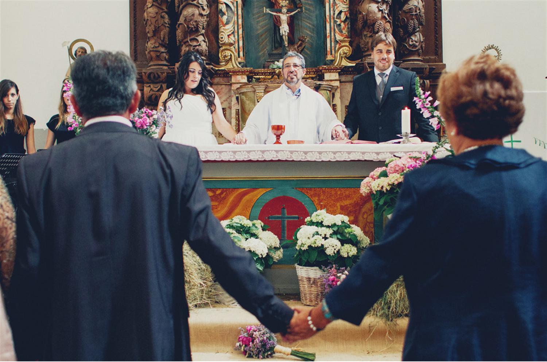 el sofa amarillo ceremonia religiosa diferente (4)