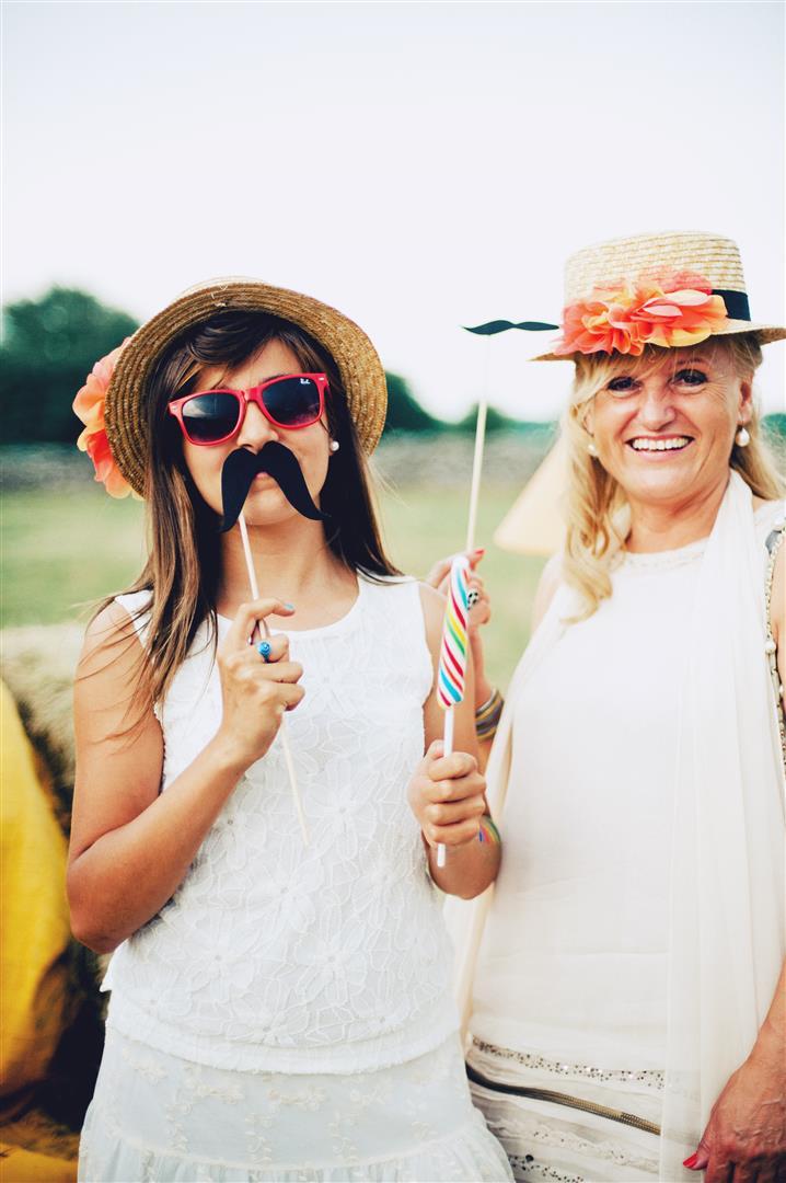 bigotes para photocall boda 2