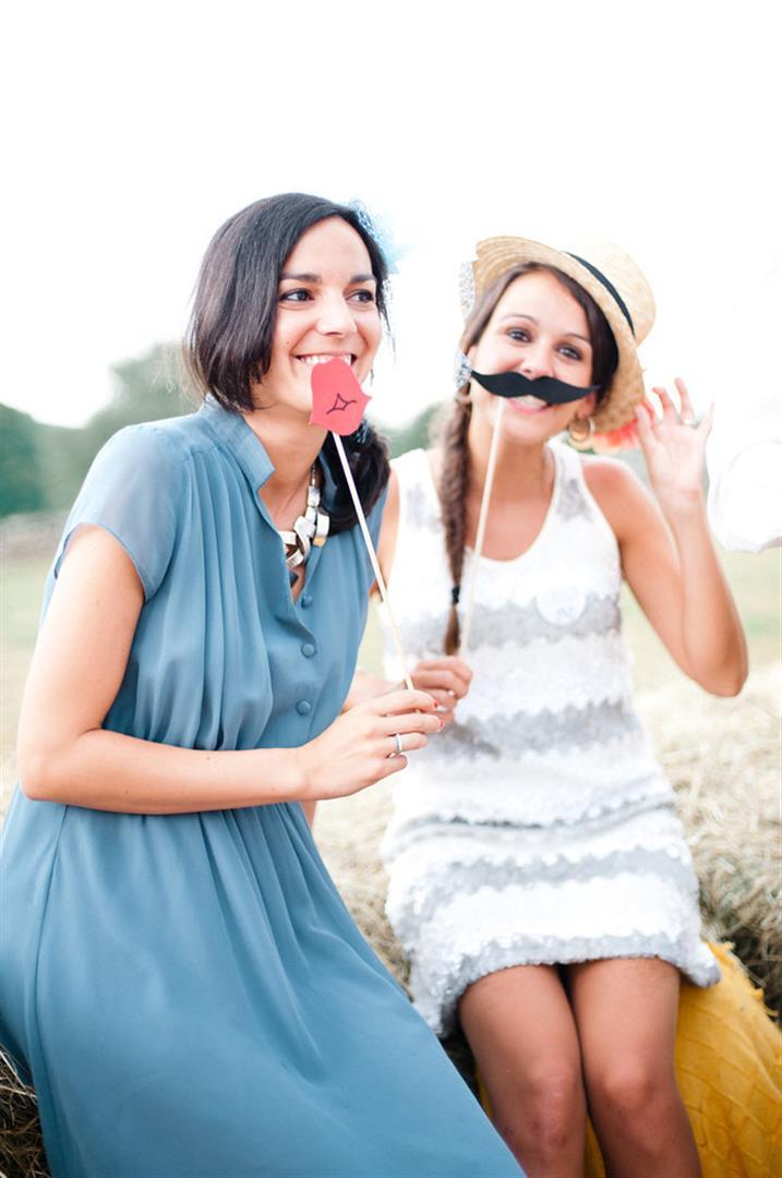 bigotes para photocall boda 3