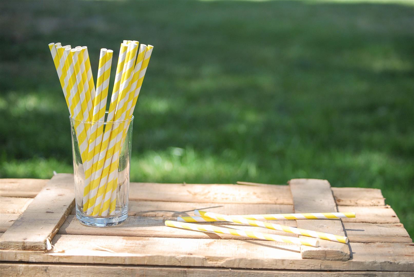 pajitas-papel-amarillas
