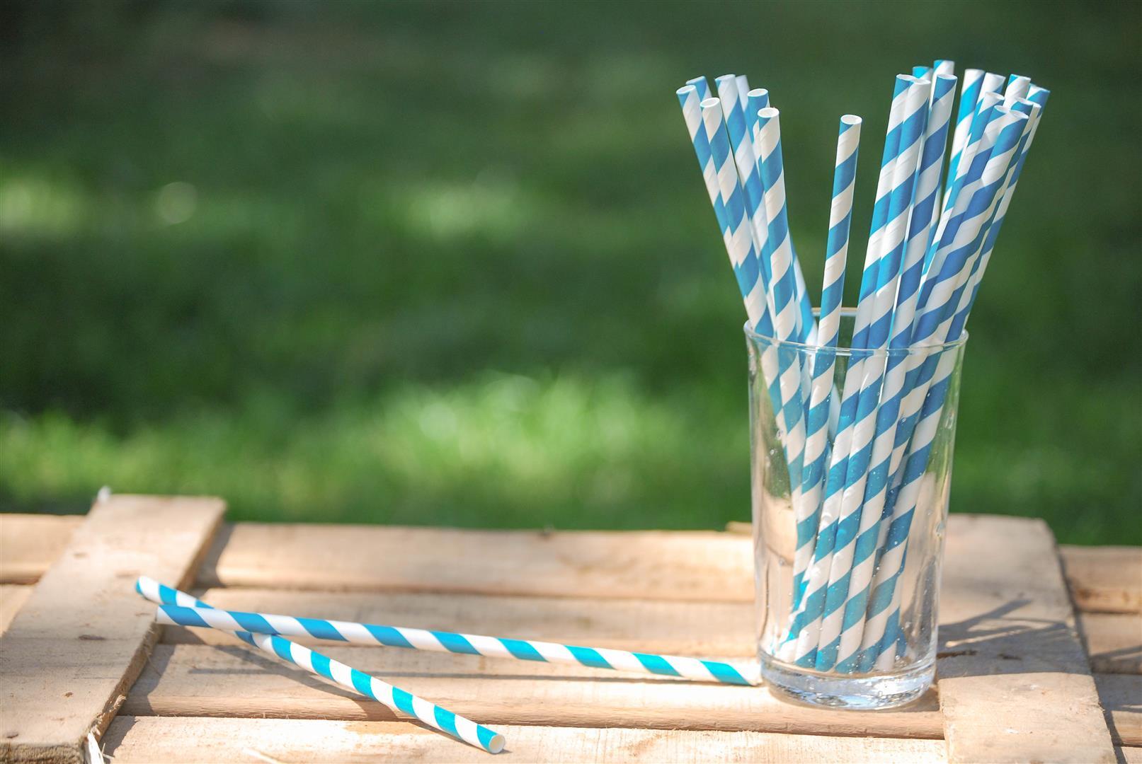 pajitas-papel-azul