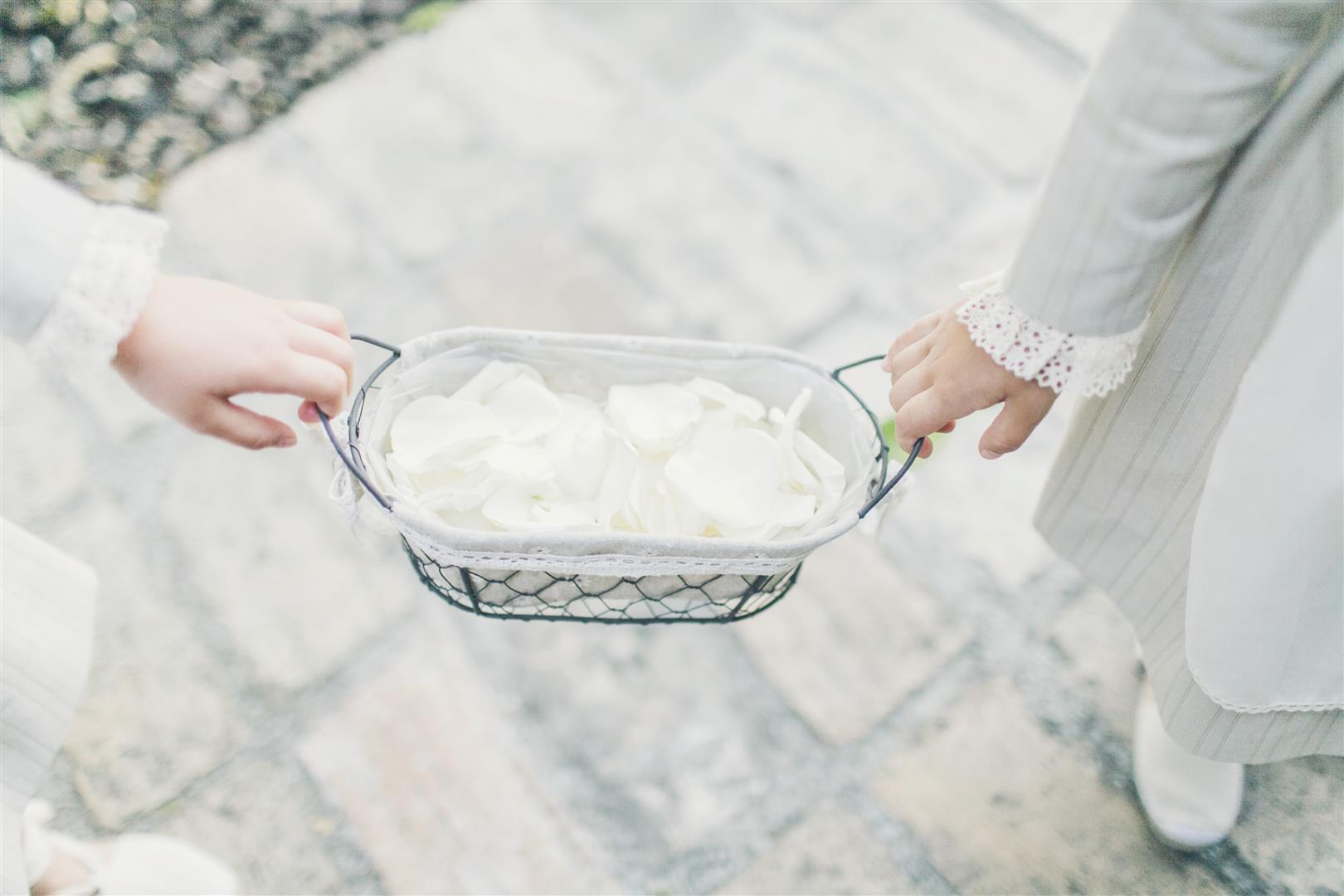 petalos ninos ceremonia