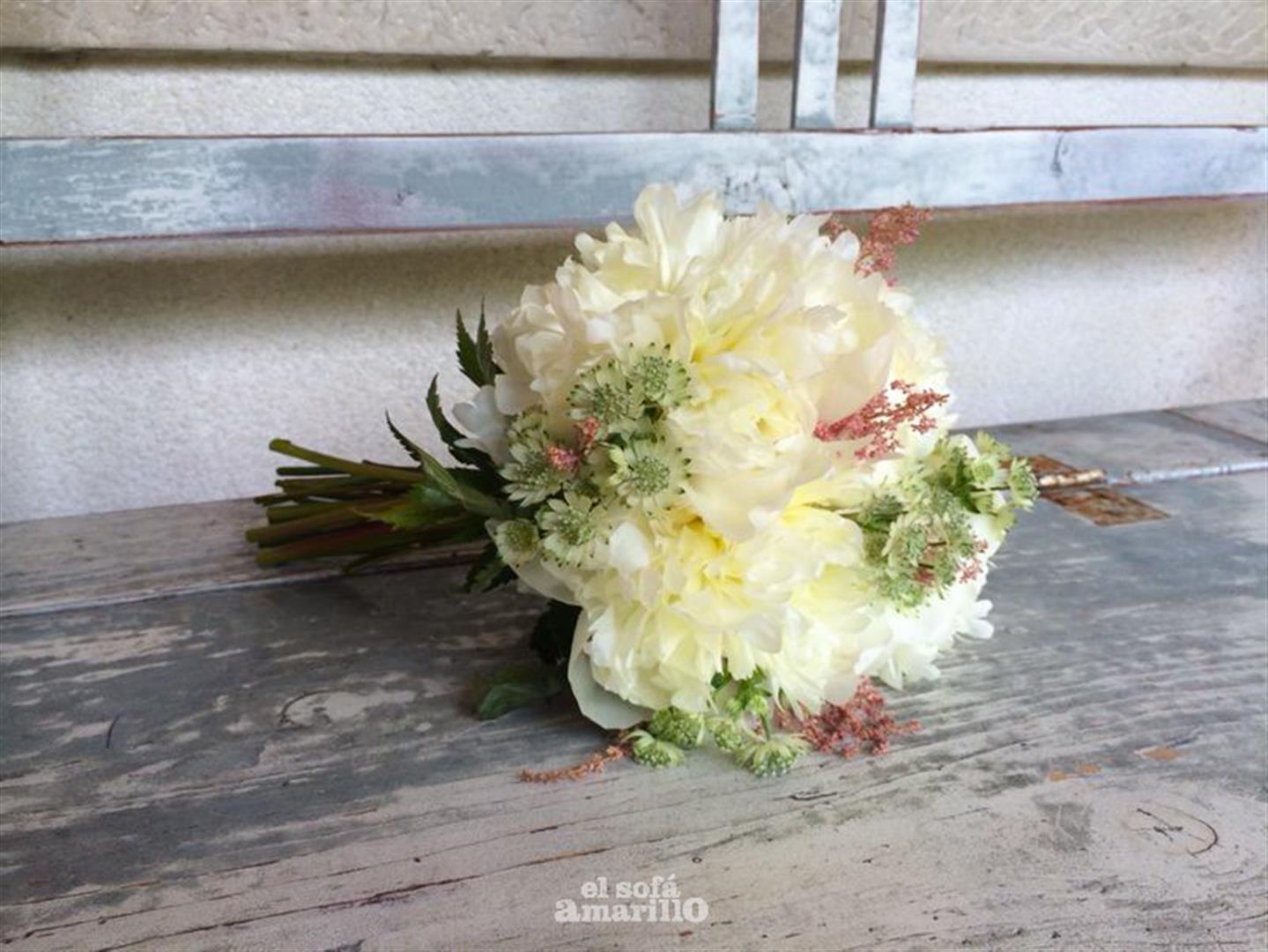 sofa-amarillo-wedding-planner-galicia (16)