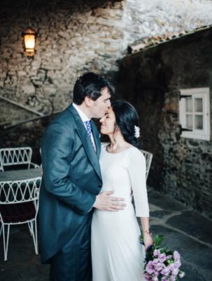 <br> <font size=5> Clara y Álvaro  </font><br><font size=6> La boda de las coronas de flores </font>